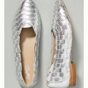🆕NWT 8.5-9 Seychelles Silver Woven Leather Flats